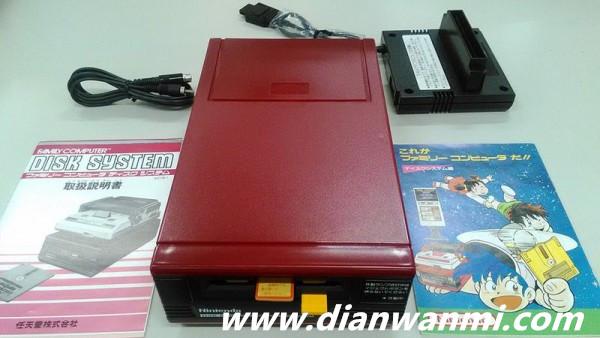 任天堂现场开箱30年前的未开封红白机 任天堂 第3张