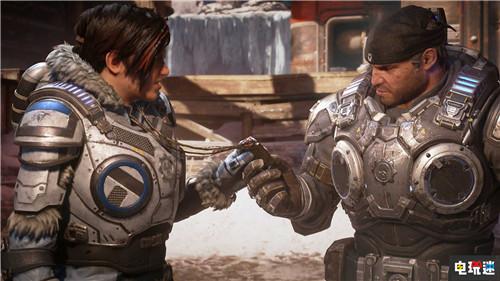 《战争机器5》开发团队大合影 游戏正式进厂压盘 微软XBOX 第3张